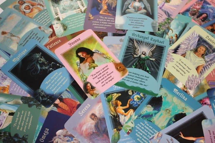 Comment tirer les cartes et comprendre le Tarot des Anges 7eda90cbb296