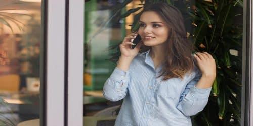 Comment reprendre confiance en soi grâce à la voyance par téléphone ?